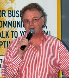 Bill Kerr addressing the Chamber Luncheon on Wednesday 12th November